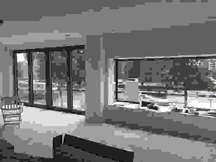 Nieuwbouw appartementen Moderne woonkamers van MSW Bouwadvies Modern