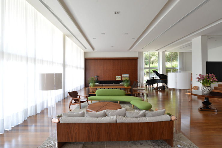 Living Studio Leonardo Muller Salas de estar minimalistas Madeira
