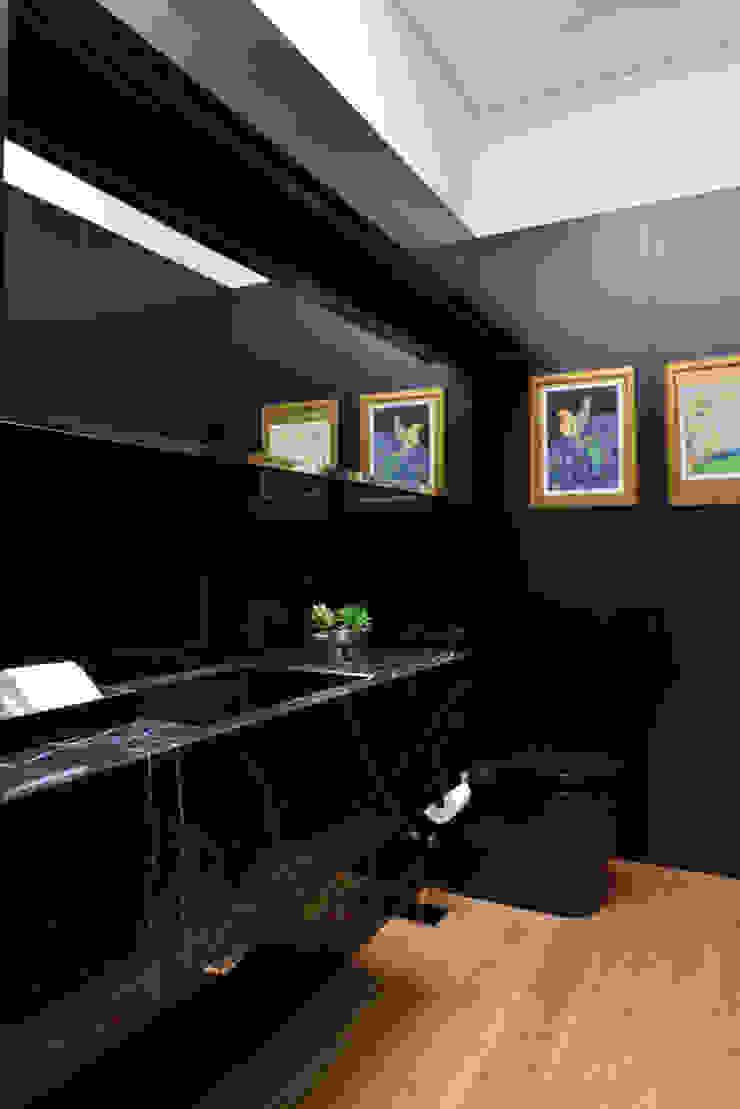 Lavabo Studio Leonardo Muller Banheiros minimalistas Mármore Preto