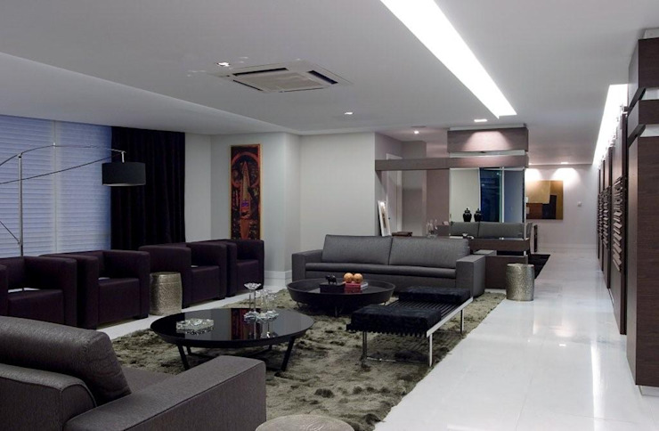 Living Studio Leonardo Muller Salas de estar modernas Madeira Cinza