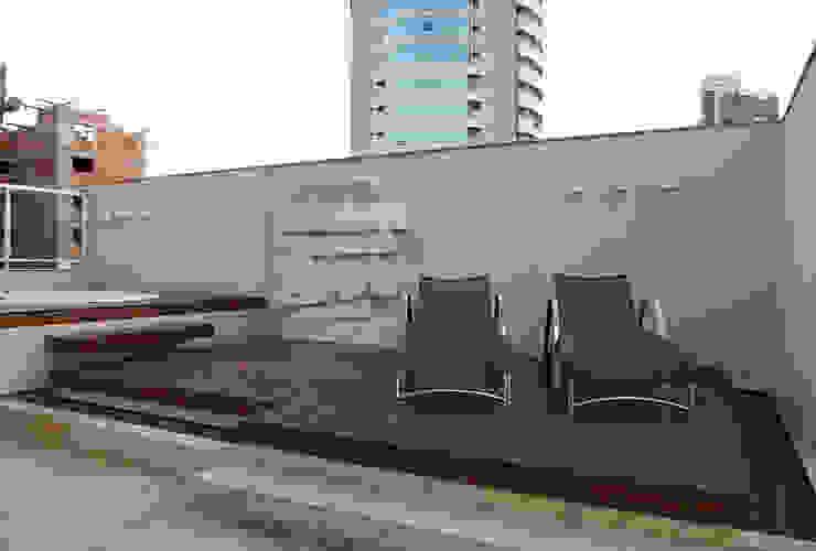 Terraço com Spa Studio Leonardo Muller Varandas, alpendres e terraços modernos Madeira