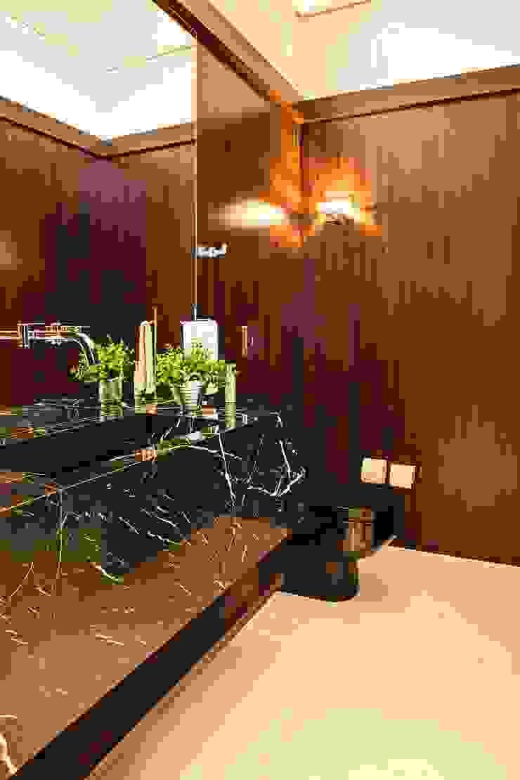 Studio Leonardo Muller ห้องน้ำ หินอ่อน Brown