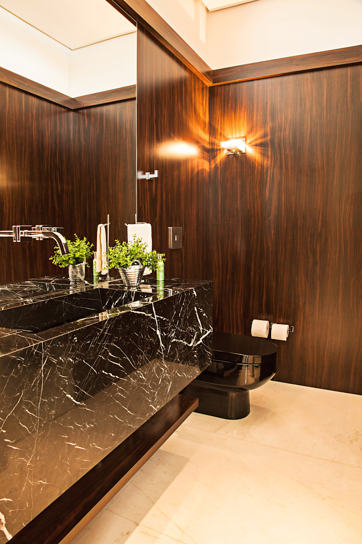 Studio Leonardo Muller Modern style bathrooms Marble Brown