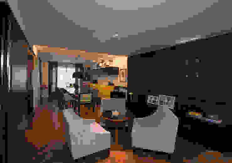 Estar e Jantar Studio Leonardo Muller Salas de estar modernas Madeira