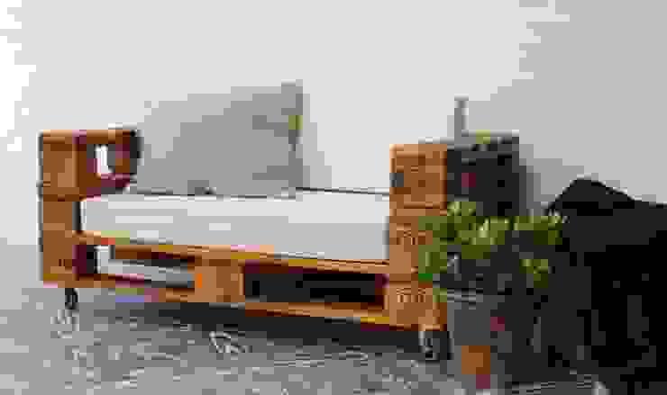 rustic  by Pequeños Proyectos, Rustic Wood Wood effect