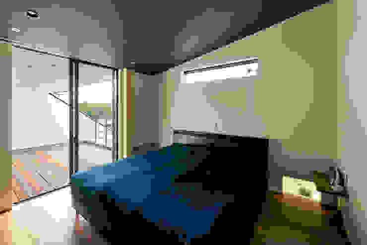 寝室 モダンな 家 の H建築スタジオ モダン