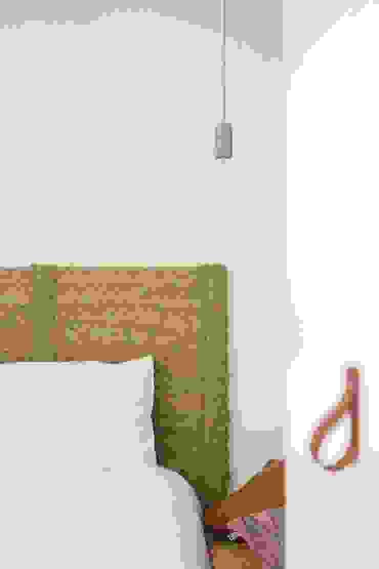 Bloomint design BedroomBeds & headboards Beige