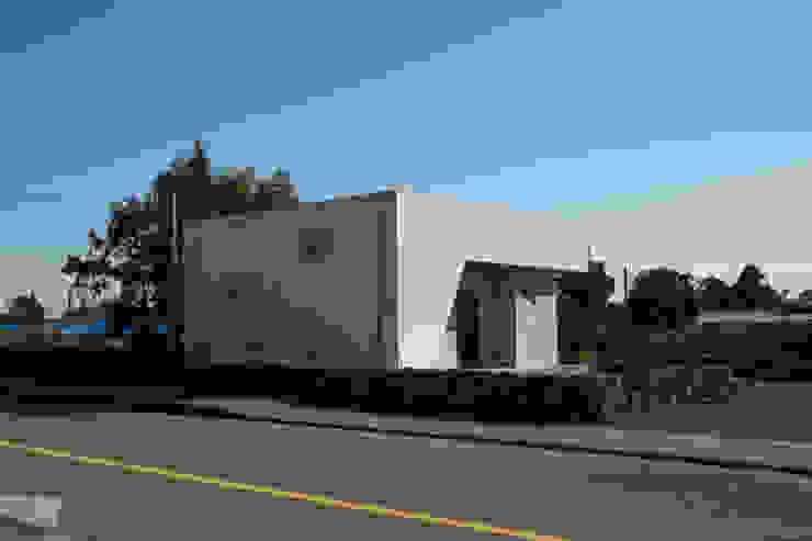 눌치재 모던스타일 주택 by 아키제주 건축사사무소 모던