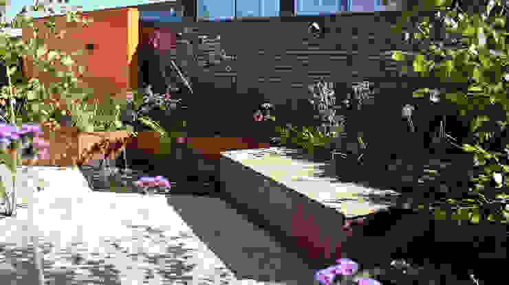 Garten von KLAP tuin- en landschapsarchitectuur, Modern
