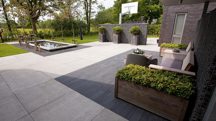 Modern style gardens by KLAP tuin- en landschapsarchitectuur Modern