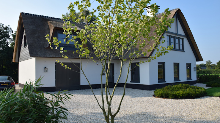 Jardines de estilo clásico de KLAP tuin- en landschapsarchitectuur Clásico