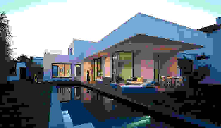 Дома в стиле модерн от Rodde Aragües Architectes Модерн Шифер