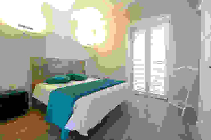 Спальня в средиземноморском стиле от yesHome Средиземноморский