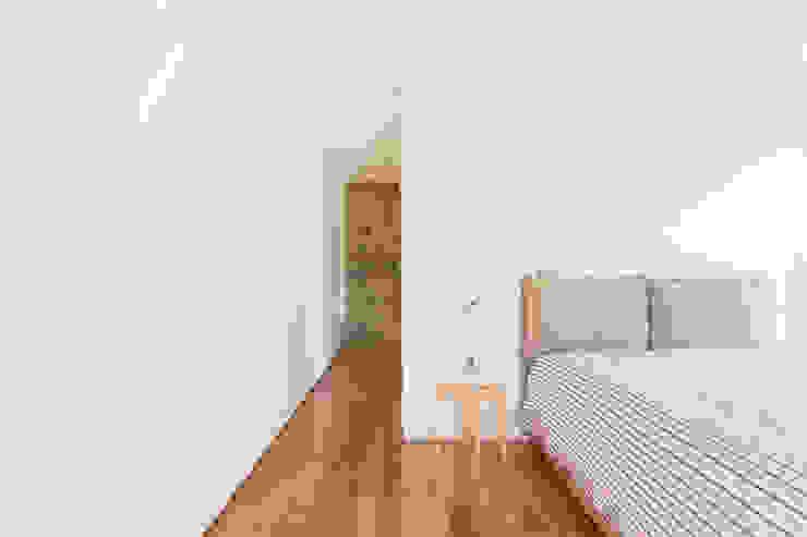 SH HOUSE Quartos escandinavos por PAULO MARTINS ARQ&DESIGN Escandinavo