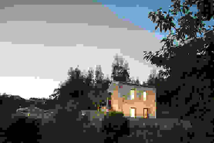 SH HOUSE PAULO MARTINS ARQ&DESIGN Casas escandinavas