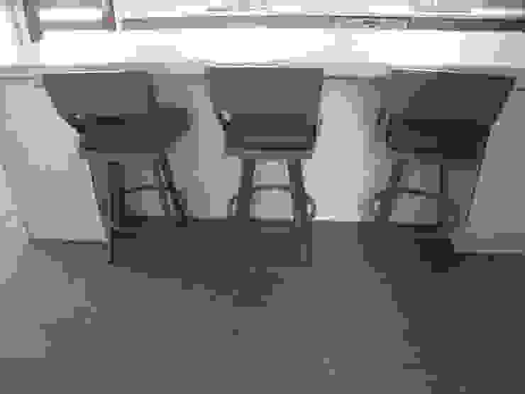 Modern Shore House Kitchen Modern Kitchen by Kitchen Krafter Design/Remodel Showroom Modern
