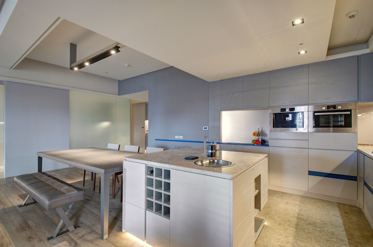 A Decade Modern kitchen by Taipei Base Design Center Modern