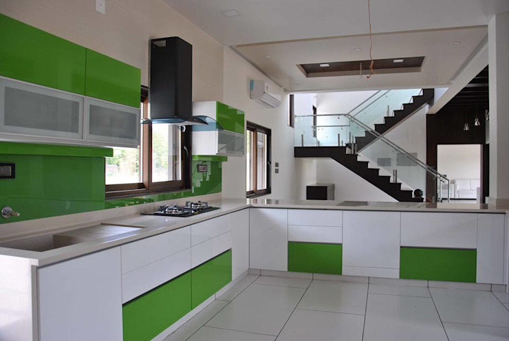 L SHPAE KITCHEN : asian  by ASADA DECOR PVT.LTD,Asian Engineered Wood Transparent