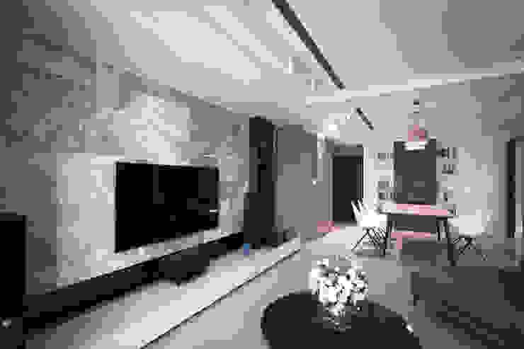 BRAVO INTERIOR DESIGN & DECO NORDIC STYLE 现代客厅設計點子、靈感 & 圖片 根據 璞碩室內裝修設計工程有限公司 現代風