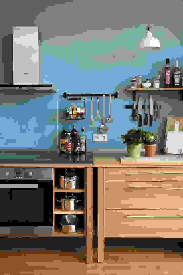 Farbkonzept für der Fahradloft Adeline Labord Interiors Skandinavische Küchen