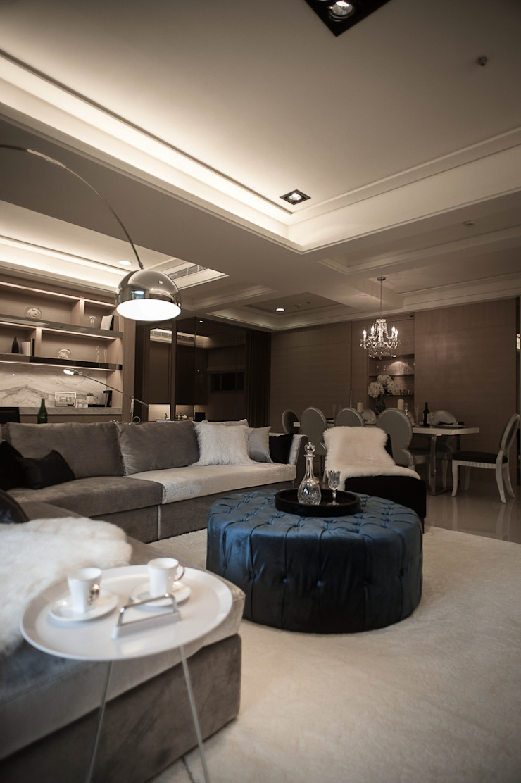 BRAVO INTERIOR DESIGN & DECO KUAN STYLE 现代客厅設計點子、靈感 & 圖片 根據 璞碩室內裝修設計工程有限公司 現代風