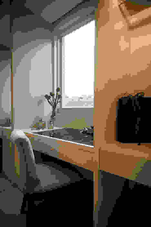 BRAVO INTERIOR DESIGN & DECO KUAN STYLE 根據 璞碩室內裝修設計工程有限公司 現代風