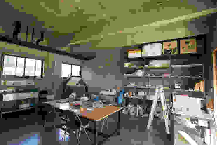 아키제주 건축사사무소 Salas multimédia modernas