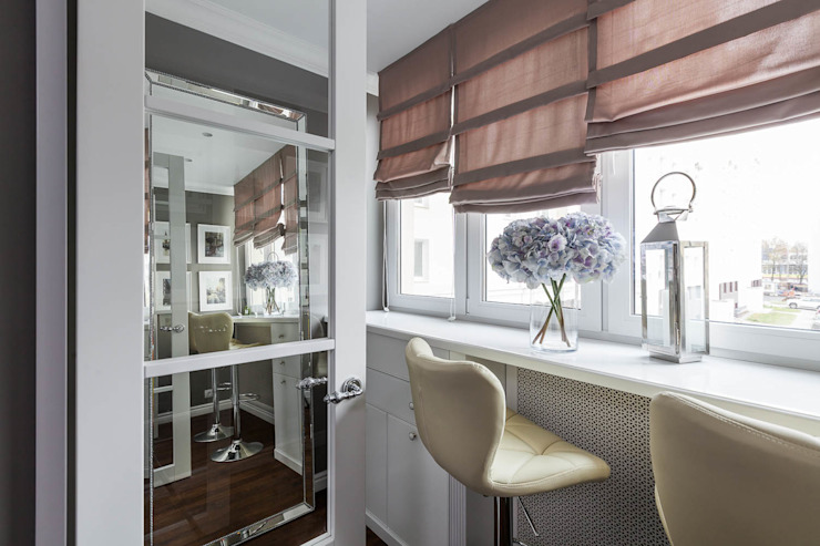 Classic style balcony, veranda & terrace by mlynchyk interiors Classic