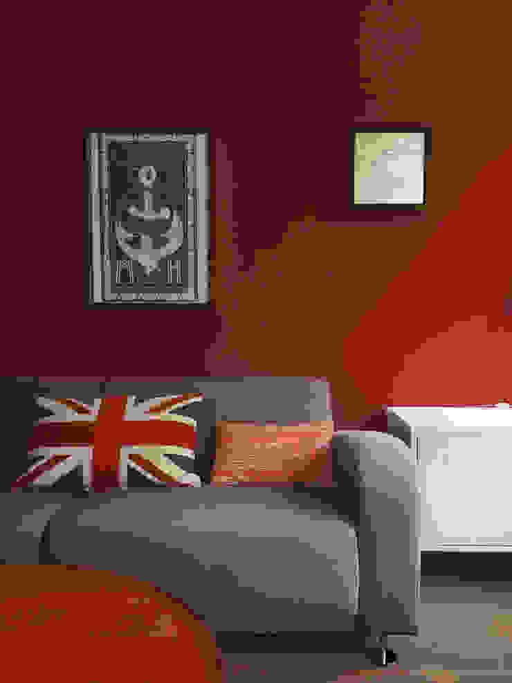 Farbkonzept Adeline Labord Interiors Moderne Wohnzimmer Rot
