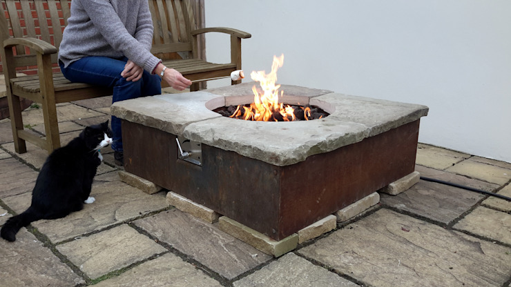 gas fire table Rustic style garden by Lithic Fire Rustic Sandstone