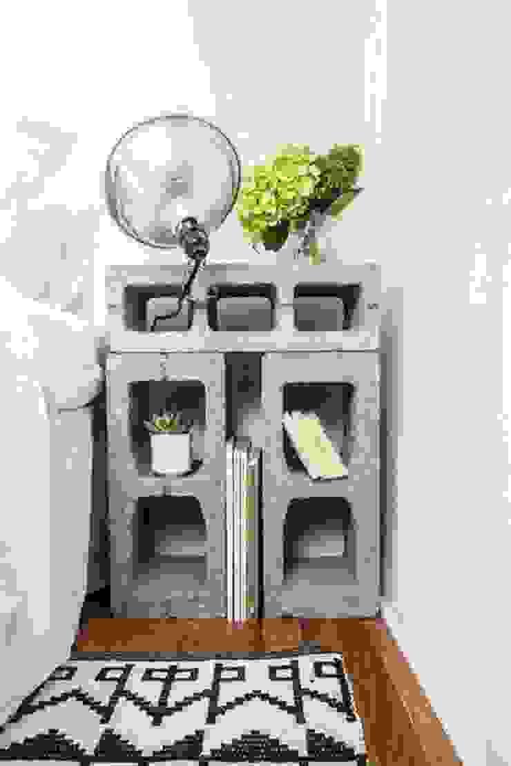 Mesa de luz con ladrillos de Lola Eme Deco Rústico Ladrillos