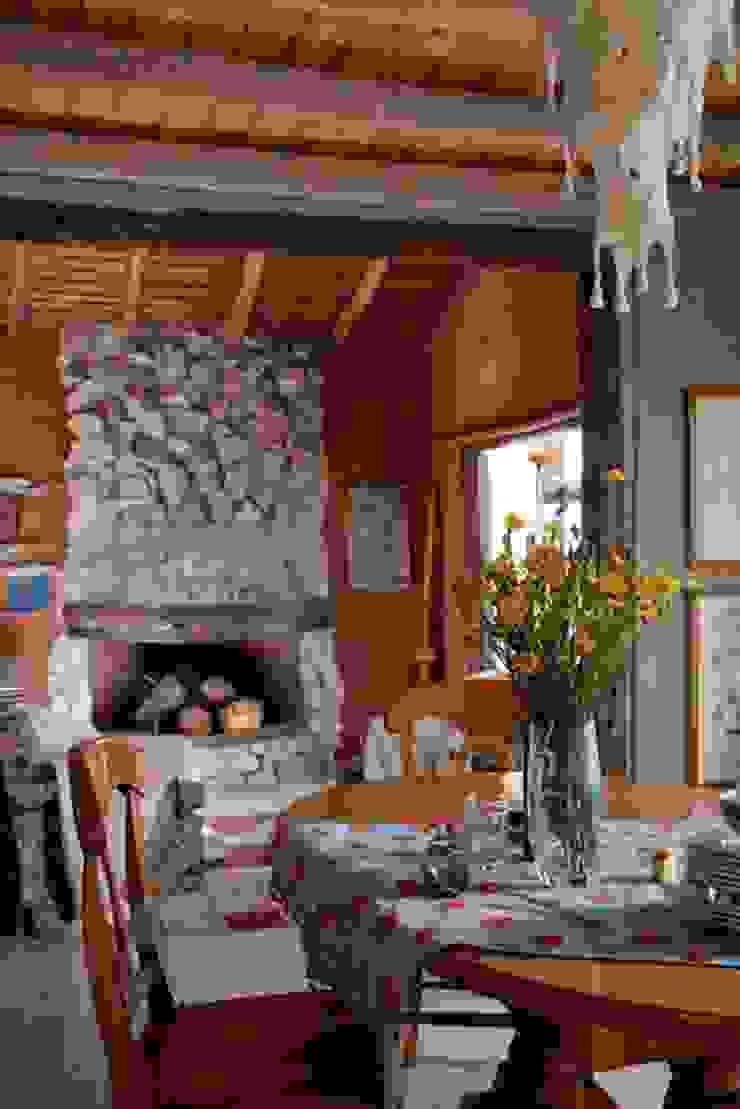 Casa Claudia Carboni Comedores rústicos de Susana Bellotti Arquitectos Rústico