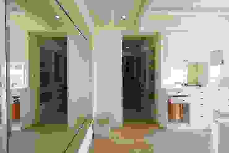 法式美學新古典-浪漫優雅樓中樓 根據 采金房 Interior Design 現代風