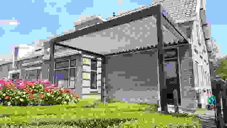 Brustor B-150 terrasoverkapping: modern  door Paul & Paul Kozijnen, Zonwering & Serres, Modern Aluminium / Zink