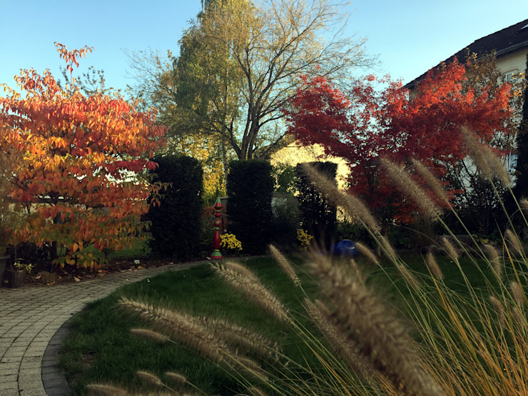 Besondere Blickpunkte im Herbst dirlenbach - garten mit stil Klassischer Garten