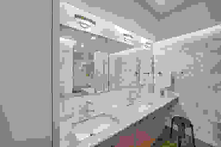 Laight Street Duplex Modern Bathroom by Rodriguez Studio Architecture PC Modern