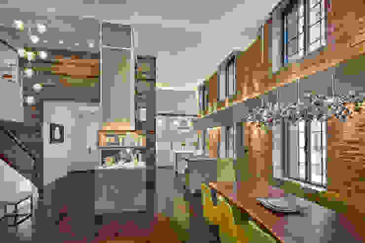 Ruang Keluarga Modern Oleh Rodriguez Studio Architecture PC Modern
