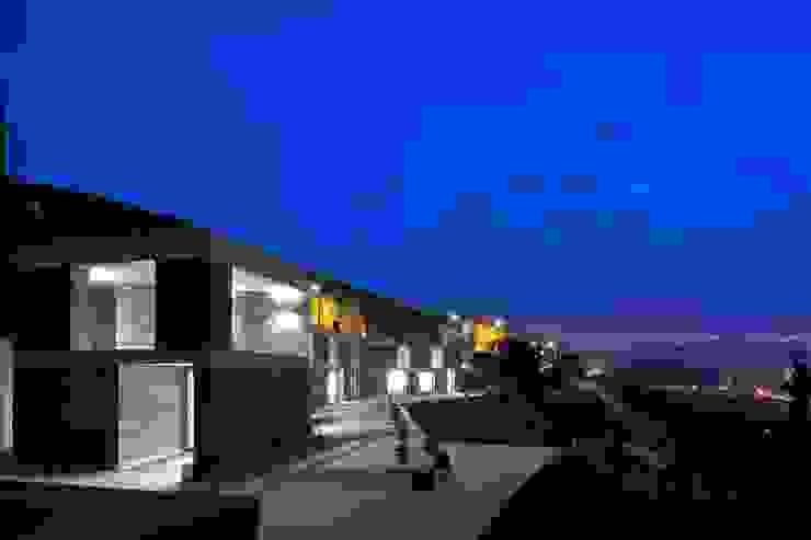 Puertas y ventanas modernas de Menos é Mais - Arquitectos Associados Moderno