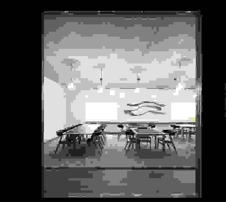 Comedores modernos de Menos é Mais - Arquitectos Associados Moderno