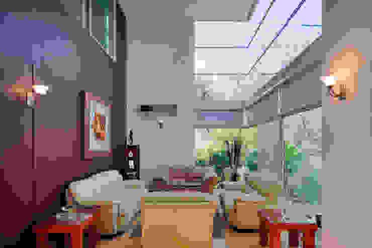 SALA Salones minimalistas de Excelencia en Diseño Minimalista Hierro/Acero