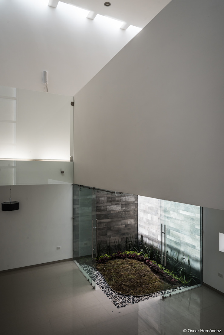 根據 Oscar Hernández - Fotografía de Arquitectura