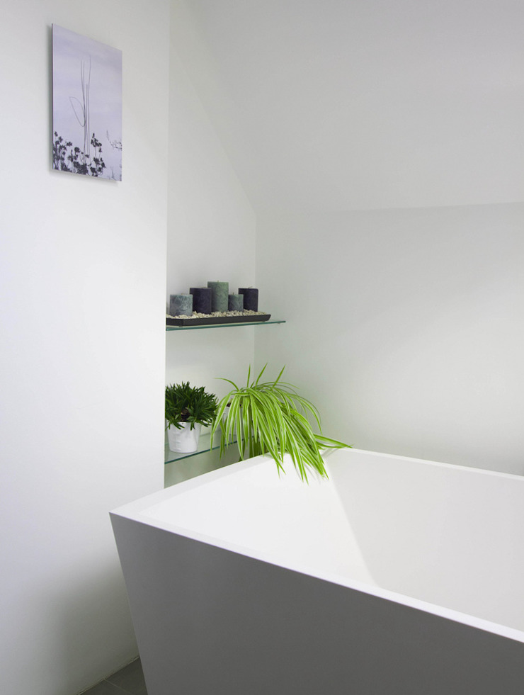 Gallery House on Richmond Park Modern style bathrooms by Elemental Architecture Modern