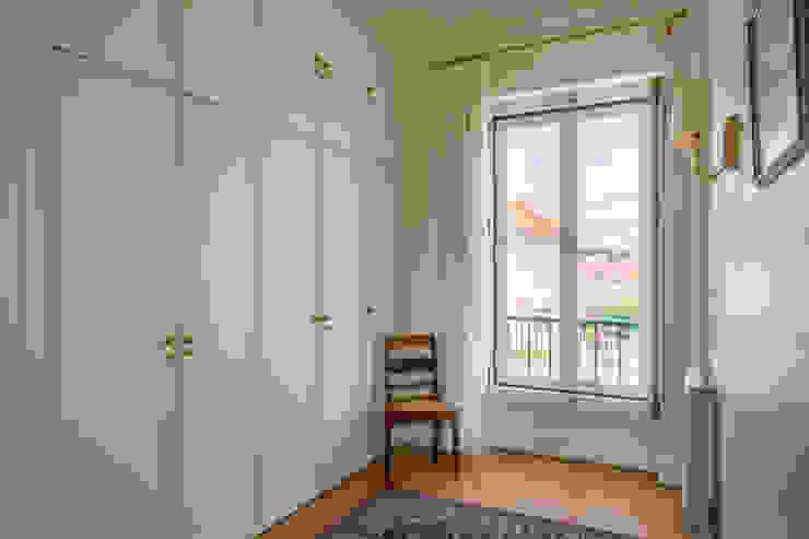 غرفة الملابس تنفيذ Pedro Brás - Fotógrafo de Interiores e Arquitectura | Hotelaria | Alojamento Local | Imobiliárias , كلاسيكي