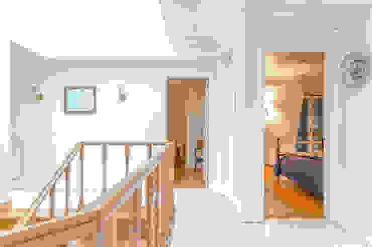 غرفة نوم تنفيذ Pedro Brás - Fotógrafo de Interiores e Arquitectura | Hotelaria | Alojamento Local | Imobiliárias ,