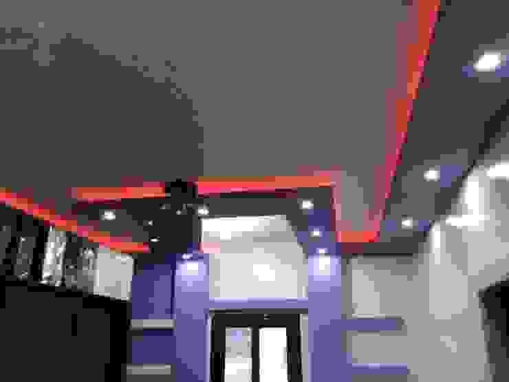 Bedroom by كاسل للإستشارات الهندسية وأعمال الديكور في القاهرة