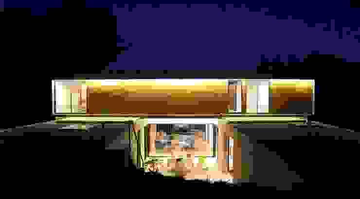 Rumah oleh homify, Minimalis Kayu Wood effect