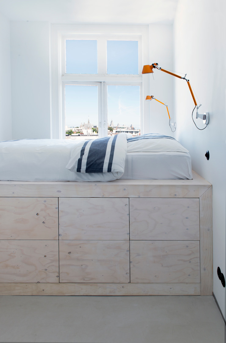 slaapkamer met hoogslaper Minimalistische slaapkamers van IJzersterk interieurontwerp Minimalistisch Hout Hout