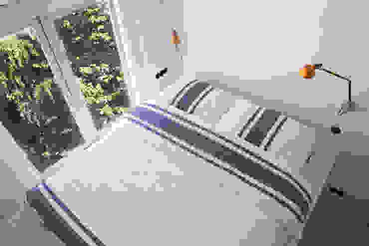 slaapkamer met hoogslaper op maat Moderne slaapkamers van IJzersterk interieurontwerp Modern