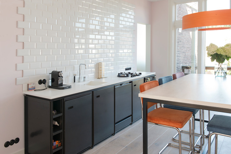 industriele keuken van staal Industriële keukens van IJzersterk interieurontwerp Industrieel Metaal