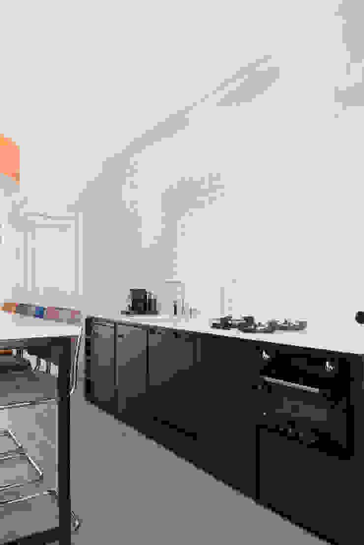 industriele keuken van staal Moderne keukens van IJzersterk interieurontwerp Modern Metaal